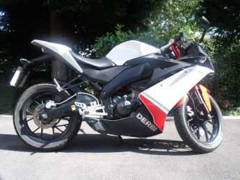 Derbi GPR GPR 125 Learner Legal like Yamaha R125 CBR125 Sports Bike Petrol White at Handy Vehicle Sales Bradford